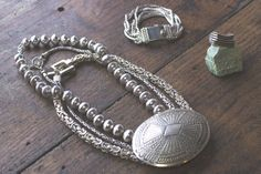 Chunky layered silver jewelry  bellaandchloe.com