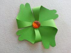 DIY St. Patrick's Day Crafts: DIY Shamrock Pinwheel