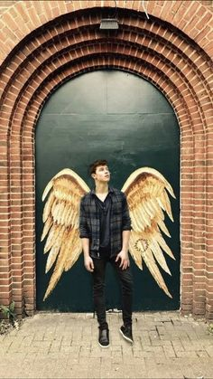 He looks like a angel Acts like angel Is an angel But still is Naughty That's my bae Hello honey, are you lost? You can stay at my place for a bit😏 Shwan Mendes, Mendes Army, Shawn Mendes Lockscreen, Shawn Mendes Wallpaper, Shawn Mendes Cute, Shawn Mendes Memes, Camilla, Fangirl, Babe