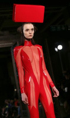 Naked Model Walks Runway For Pam Hogg At London Fashion Week (EXPLICIT PHOTOS)
