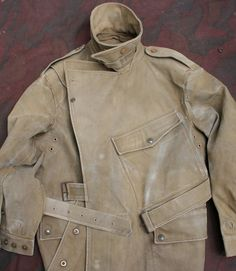 WW1 British army dispatch rider's coat, details