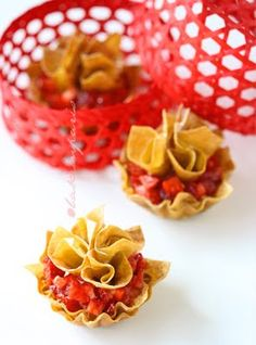 Chocolate Strawberry Wontons