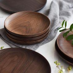 Hand-Made Round Natural Wooden Plates – Sugar & Cotton Kitchen Items, Kitchen Utensils, Kitchen Decor, Wooden Plates, Wooden Serving Platters, Serving Plates, Wooden Kitchen, Dinner Sets, Kitchen Essentials