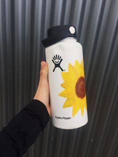Painted hydroflask by me :) ~Mazzy Jackson sunflower