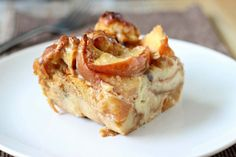 Peach Bread Pudding - Rich and creamy bread pudding laced with cinnamon and wedges of fresh juicy peaches, best served warm with vanilla ice cream. #recipe #peach