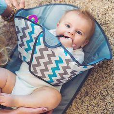 These Innovative Baby Gadgets Will Blow Your Mind Best Baby Gadgets for Parents – Cool Baby Gadgets Cool Baby Gadgets, Kids Gadgets, Spy Gadgets, Electronics Gadgets, Baby Changing Mat, Diaper Changing Pad, Nouveaux Gadgets, Baby Car Mirror, Nappy Change