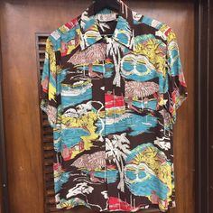 LIBERTY HOUSE WAIKIKI Liberty House, Vintage Hawaiian Shirts, Fashion Graphic Design, Aloha Shirt, Hawaiian Print, Beach Wear, Pattern Fashion, Printed Shirts, Print Patterns