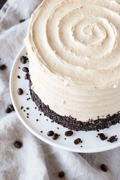 The perfect pairing of coffee and Baileys in this delicious layer cake. A vanilla buttermilk cake layered with dark chocolate ganache and a coffee Baileys swiss meringue buttercream.