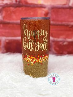 I'm so excited to be working on Fall tumblers! This is a gold and burnt orange ombré with leaves. Chrome vinyl completes the look! Vinyl Tumblers, Personalized Tumblers, Custom Tumblers, Cup Crafts, Diy Arts And Crafts, Crafty Projects, Burlap Projects, Burlap Crafts, Glitter Cups