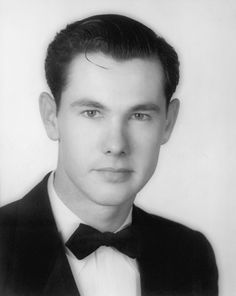 Johnny Carson as a young man Celebrities Then And Now, Young Celebrities, Celebs, Here's Johnny, Johnny Carson, Celebrity Kids, Celebrity Pictures, Yearbook Photos, Childhood Photos