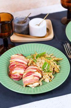 Baconös-krémsajtos csirke sült zöldbabos bulgursalátával | Street Kitchen Quinoa, Bacon, Curry, Pork, Meat, Chicken, Kitchen, Bulgur, Kale Stir Fry