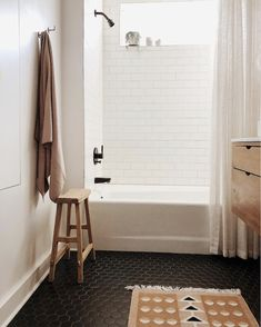 33 Lovely Minimalist Bathroom Decor Ideas - It may not always seem important, but the bathroom is a part of the home that everyone spends time in. And even though it's not the main focus of the . Attic Bathroom, Boho Bathroom, Bathroom Shower Curtains, Bathroom Flooring, Small Bathroom, Bathroom Ideas, Bathroom Designs, Modern Bathroom, Turquoise Bathroom