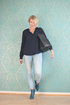 A fashion blog for women over 40 and mature women http://www.glamupyourlifestyle.com/ Blouse: NYDJ Jeans: Review Booties: Dorothee Schumacher Bag: Purificación Garcia
