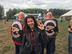 hells angels holland ❤❤ Biker Clubs, Motorcycle Clubs, Bike Gang, Der Club, Biker Tattoos, Hells Angels, Rolling Stones, Alvin Lee, Red And White