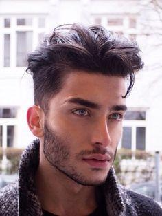 Los hombres en el 2017 lucen cortes de pelo corto aún mas modernos que otras temporadas. Se llevan cortos y de diferentes ideas,renovados y...