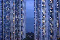 息を飲むほどに幻想的な世界が青色に染まる「ブルーアワー」の写真集 - GIGAZINE