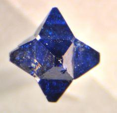 Cumengeite 'star' formed on Boleite or Pseudoboleite cube / Amelia Mine, Santa Rosalía, Baja California Sur, Mexico