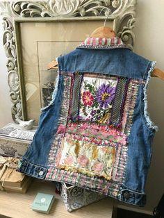 jacket,coat,,handmade jacket,Hand-painted cowboy vest decorated with silk fabrics Abaya Mode, Gilet Jeans, Stylish Eve Outfits, Denim Vests, Denim Art, Denim Ideas, Denim Crafts, Altered Couture, Altering Clothes