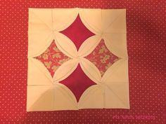 Ventana de la Catedral | Técnicas de Patchwork Paso a Paso Beginner Quilt Patterns, Quilting For Beginners, Quilt Tutorials, Diy And Crafts Sewing, Sewing Projects, Diy Crafts, Quilt Sets, Quilt Blocks, Quilt Boarders