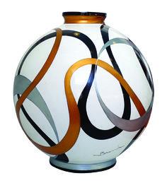 Ceramic Clay, Porcelain Ceramics, Ceramic Vase, Pottery Painting, Pottery Vase, Painted Glass Vases, Vase Crafts, Clay Vase, China Painting