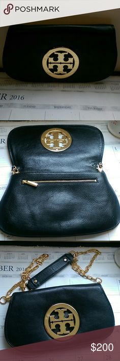 Tori Burch Authentic Clutch Convertible Cross Body Perfect condition. Barely used it. Bought it a Tori Burch store in Canada. Feel free to ask any Qs! Tory Burch Bags