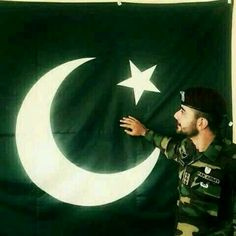 Love for life pak army Pakistan Defence, Pakistan Armed Forces, Pakistan Zindabad, Pakistan Fashion, Independence Day Pictures, Pakistan Independence Day, Namal Novel, Army Photography, Beauty Army