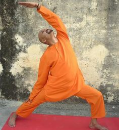 Virrbhadrasana by www.yogagurusuneelsingh.com » Yoga Pose Weekly