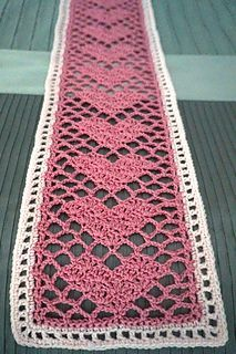 Sweetheart Lace Scarf: FREE crochet pattern