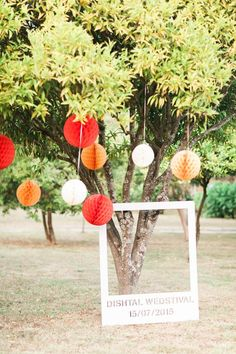 Over-sized picture frame for guests to pose in front of - perfect in this festival-themed wedding | Image by Brancoprata