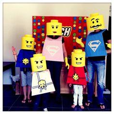 Tuto pour organiser un anniversaire lego des invitations aux costumes en passant par le gâteau en forme de lego.