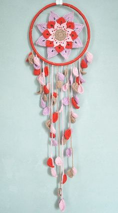 wonderful crochet Dreamcatcher made by raumseelig Crochet Decoration, Crochet Home Decor, Crochet Doilies, Crochet Flowers, Crochet Dreamcatcher, Yarn Bombing, Mandala Pattern, Love Crochet, Yarn Crafts