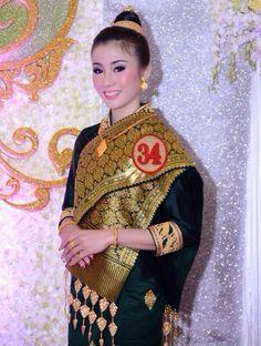 Tradition Laos Dress.