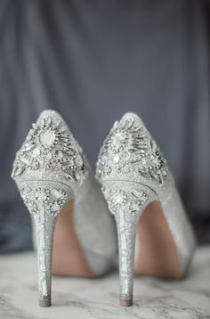 Stunning jeweled shoes for the glamorous bride. View the full wedding here: http://thedailywedding.com/2016/08/16/intimate-rose-wedding-shavon-kofi/