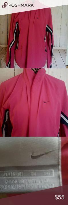 NIKE JACKET🛍🛍 Hot pink NIKE jacket. Worn 1 time great condition. Nike Jackets & Coats