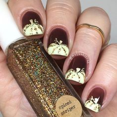 This is why today we found the best fall nail art. We accept begin 33 of the best fall nail art designs of all time. These fall nail art designs are incredible. Bravo to these amazing nail artists who think of these creative ideas. Nails Opi, Get Nails, How To Do Nails, Fall Nail Art Designs, Cute Nail Designs, Holiday Nails, Christmas Nails, Green Christmas, Pumpkin Nail Art