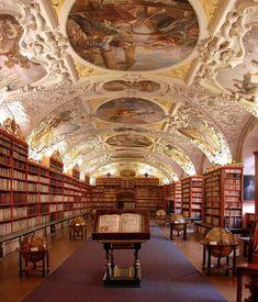 La bibliothèque du monastère de Strahov, Prague, République tchèque