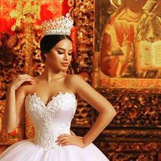 #bride #bridal #bridaldetails #bridalmakeup #bridaldress #voguebrides #voguebride #weddinglife ...