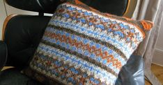 Ravelry: Chunky Fairisle Cushion pattern by Littletheorem Fair Isle Knitting Patterns, Chunky Knitting Patterns, Arm Knitting, Knitting Stitches, Crochet Patterns, Cat Cushion, Cushion Covers, Knitted Cushions, Knitted Afghans
