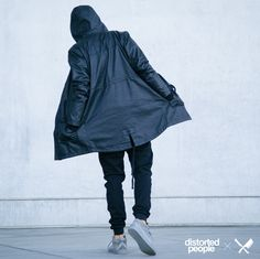 Distorted People Streetstyle : Black Parka ''Paco'', Black Chino Jogger, Son Of Blades Premium Sneaker in All Grey