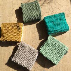 Måske det er tid til en forandring? Knitted Fabric, Knit Crochet, Drops Design, Washing Clothes, Hand Knitting, Knitting Patterns, Diy And Crafts, Winter Hats, Sewing