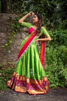 The wedding season is here! Ready to rock the wedding season with the mesmerizing and stylish blouse designs? Not only the bride every girl wants to look at their ethnic best at weddings. Half Saree Designs, Sari Blouse Designs, Lehenga Designs, Dress Designs, Half Saree Lehenga, Lehnga Dress, Saree Blouse, Anarkali, Party Wear Lehenga