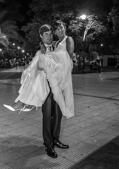 Romanticismo en la plaza.
