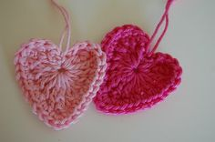 Love this heart pattern...it's in Norwegian (according to google translator) & I think I've found a fabulous new crochet blog! (always used to steer clear of blogs in languages I didn't know - no more with google's translator)