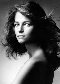 I'm the It Girl: Style Icon: Charlotte Rampling, model, as a young girl! Charlotte Rampling, Portrait Studio, Black And White Portraits, Twiggy, Portrait Inspiration, Alexa Chung, Timeless Beauty, Bare Beauty, Vintage Beauty