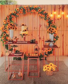 Inspirações de festas com tema de Girassol 🌻😍 Cadê as aniversariantes de Outubro ? 👏👏👏🤩 . . . . . . . . . . . . . . . . . . . . . . .… Birthday Party Decorations, Baby Shower Decorations, Party Themes, Wedding Decorations, Sunflower Birthday Parties, Sunflower Party, Beach Wedding Favors, Bridal Shower Favors, Wedding Souvenir