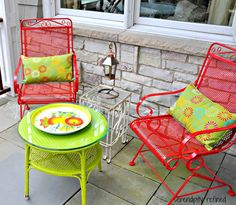 Porch Furniture: Spray painted brightly colored wicker and Wrought Iron Patio furniture makeover Painting Patio Furniture, Patio Furniture Makeover, Metal Patio Furniture, Wicker Furniture, Garden Furniture, Painted Furniture, Painted Wicker, Furniture Ideas, Antique Furniture