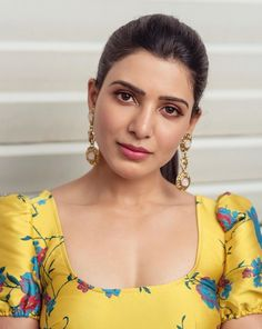 Samantha Hot HD Photos & Wallpapers for mobile (samantha, actress, hd wallpapers, kollywood, tollywood) Beautiful Girl Indian, Most Beautiful Indian Actress, Beautiful Actresses, Gorgeous Women, Samantha In Saree, Samantha Ruth, Indian Actress Photos, South Indian Actress, Indian Actresses