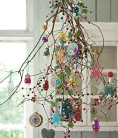Dishfunctional Designs: A Beautiful Bohemian Christmas--inspiration Bohemian Christmas, Noel Christmas, Winter Christmas, All Things Christmas, Vintage Christmas, Christmas Branches, Christmas Ornaments, Simple Christmas, Whimsical Christmas