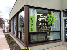 Green Daffodil Studio, Ferndale, Michigan - for MI-made soy candles, lip balm, and lotions, plus handmade & vintage goodies! http://greendaffodilstudio.blogspot.com/