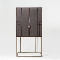 Bolero Bar 100 / 100EExtremely versatile, the design of the Bolero Bar allows you to mix and match different leathers and finishes. Also available with Eucalyptus Wood.All available finishesHardware / Herrajes                                           H-013H-014          BR24-100[CBC show='n' country='es,us'][restricted no_message='Yes'][/restricted][/CBC][CBC show='y' country='es,us'][/CBC][CBC show='n' country='es,us'][restricted no_message='...